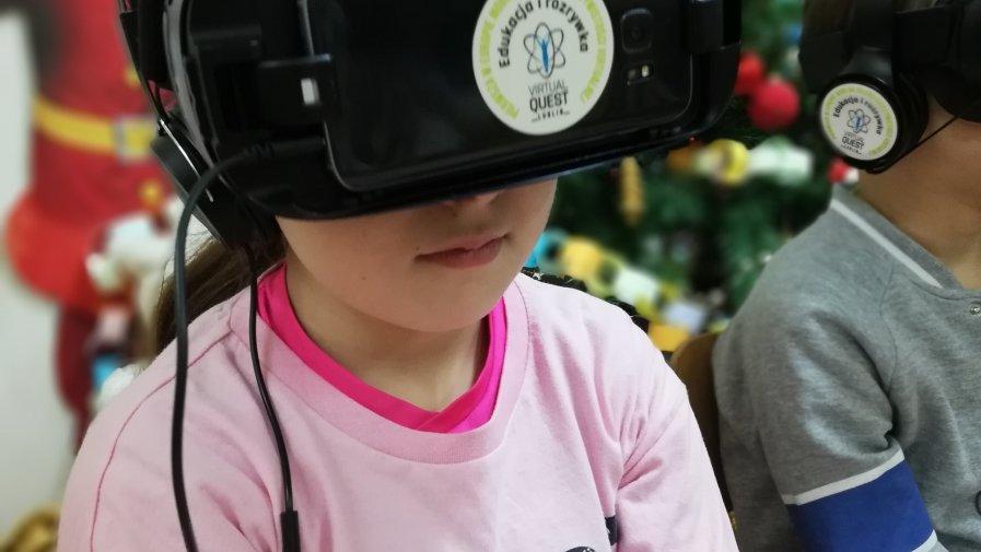 Pierwszaki zgłębiają wirtualną rzeczywistość